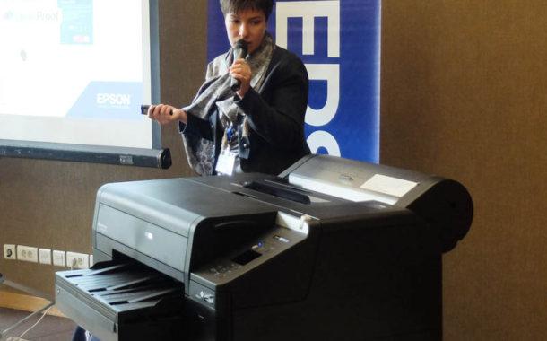 Российская премьера Epson SureColor SC-P5000V в окружении рыцарей цвета