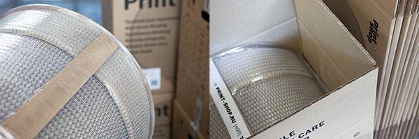 Дистанционные планки и упаковочная коробка из картона.