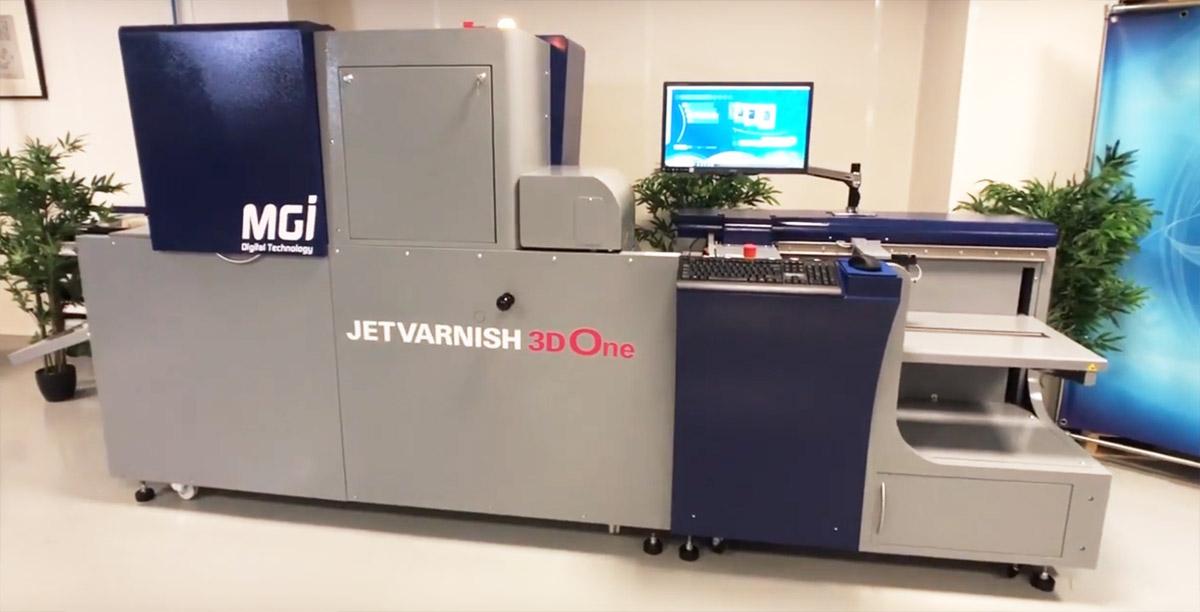 Цифровое выборочное УФ лакирование с MGI JETvarhish 3D One