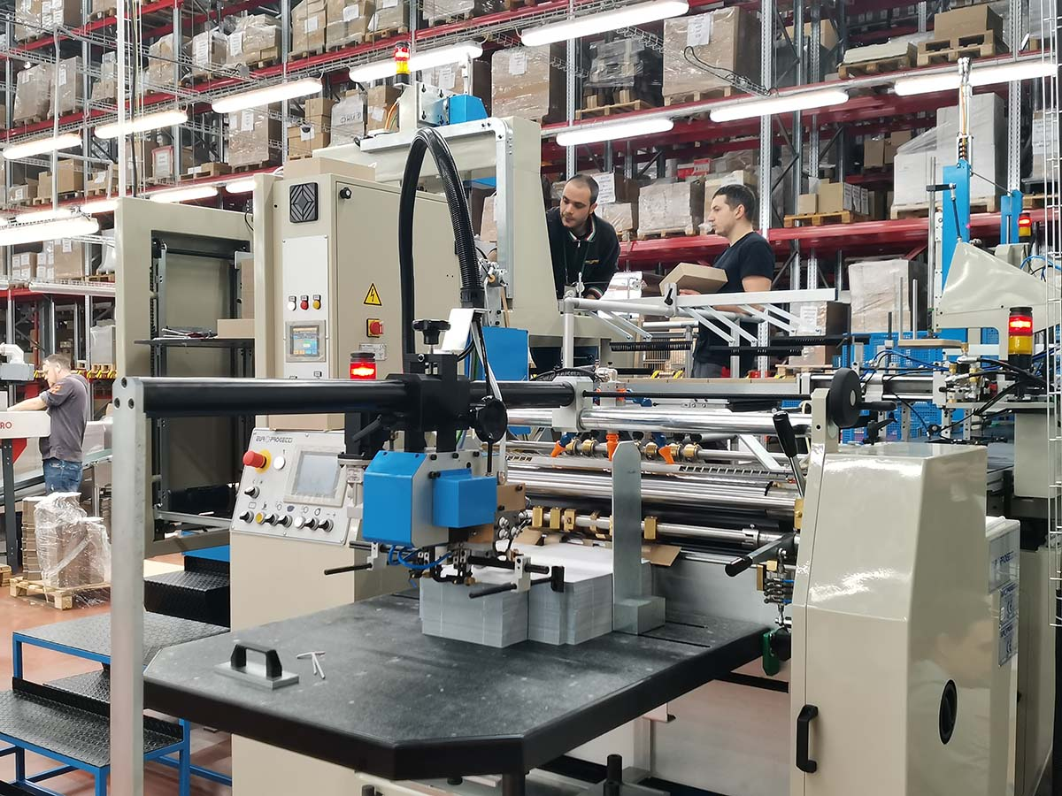 «Супервэйв» нарастил мощности для производства коробок с помощью машины Europrogetti